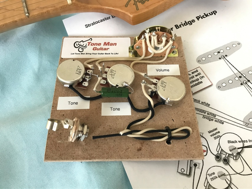 the blues stratocaster wiring harness kit vintage paper in oil tone cap. Black Bedroom Furniture Sets. Home Design Ideas